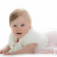 Sarah (10 months old). Photography by Martin Neeves Photography - www.martinneeves.com - Tel: +44 (0)7973 638591 - E-mail: mail@martinneeves.com