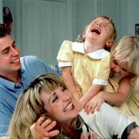 f03new2-happy-family-photo