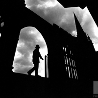 f32h-policeman-on-patrol-at-coventry-cathedral
